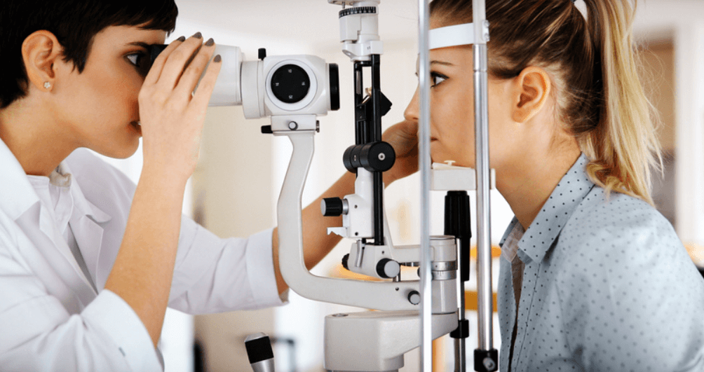 TUF Blog | Blog Of TUF | What is an Optometrist | How to become an  Optometrist | Scope